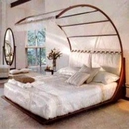 Mantra Canopy Bed by Mauro Bertame