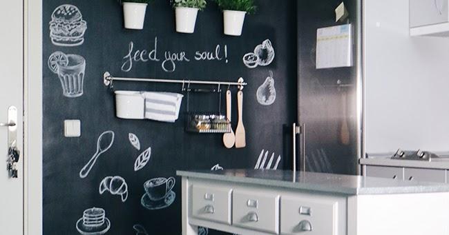 Diy deco transforma tu cocina con una pared de pizarra dare to diy bloglovin - Pizarra decoracion pared ...