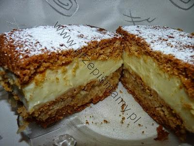 Ciasto miodowe z masą i jabłkami