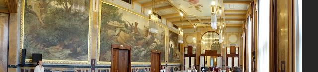 Grégr Hall 其中一間男士休息廳,因為規模大,從古至今都是舉行政治活動的場所。