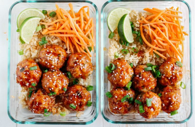 HONEY SRIRACHA GLAZED MEATBALLS #yummy #meatballs