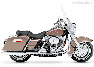 Harley Davidson FLHRI Road King motorcycle