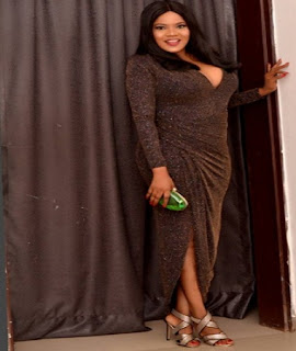 Photos: Nollywood Actress  Toyin Aimakhu Shows Off Her b**bs In Sexy Dress