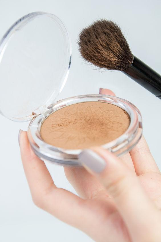 Como-escoger-el-mejor-bronzer-maquillaje-cosmetico-para-ti