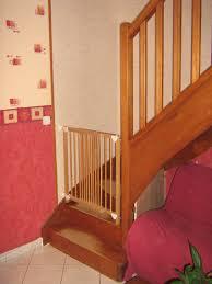 Comment la barrière de sécurité escalier protège-t-elle nos enfants?