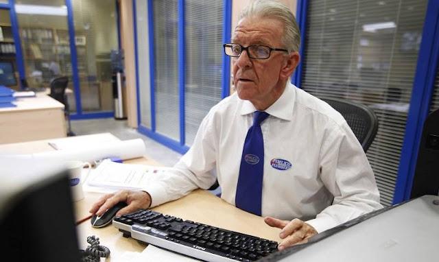Biasanya yang Sudah MasukUsia Pensiun via businessinsider.com