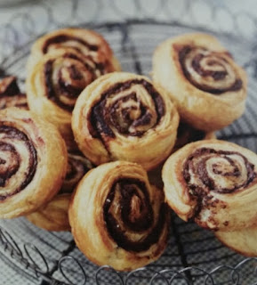 pan au chocolate cinnamon rolls pix
