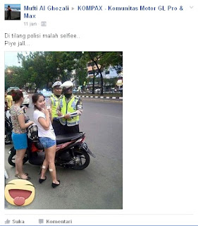 Ditilang Polisi Malah Selfie