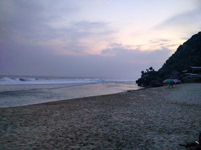 Pantai Pok Tunggal; Camping Asik di Jogja
