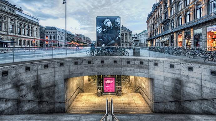 Wallpaper: Kings Square Metro