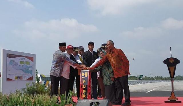 Jokowi Berbagi Sensasi Keindahan Pemandangan Tol Trans Jawa