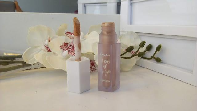 Admirável Feminismo - Iluminador para iniciantes de maquiagem