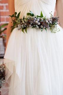 ceinture de fleurs pour robe de mariée blog mariage www.unjourmonprinceviendra26.com
