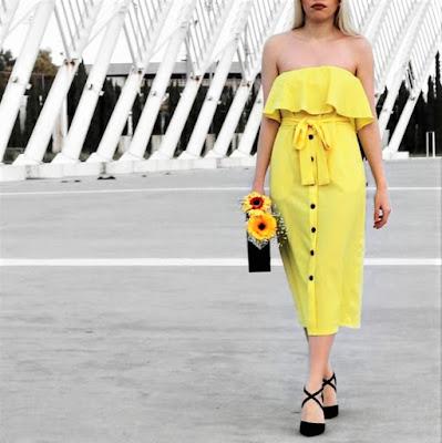 κίτρινο φόρεμα - μαύρα αξεσουάρ