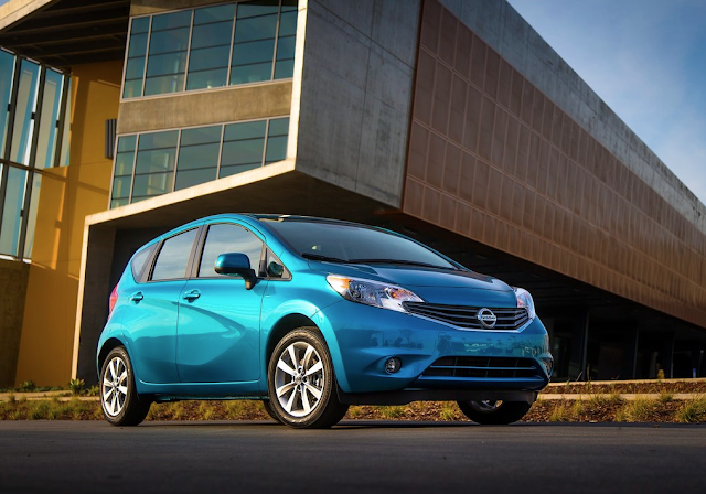 2014 Nissan Versa Note blue