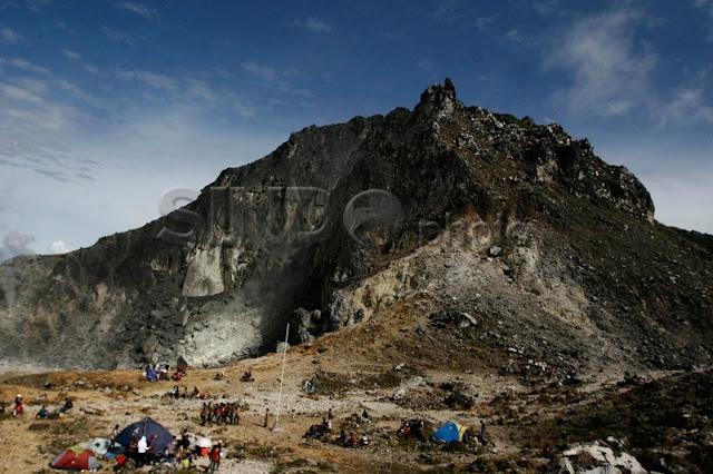 Objek Wisata di Tanah Karo: Gunung Sibayak
