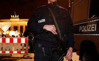 Spiegel: Ακροδεξιά «σταγονίδια» σε γερμανική αστυνομία και στρατό