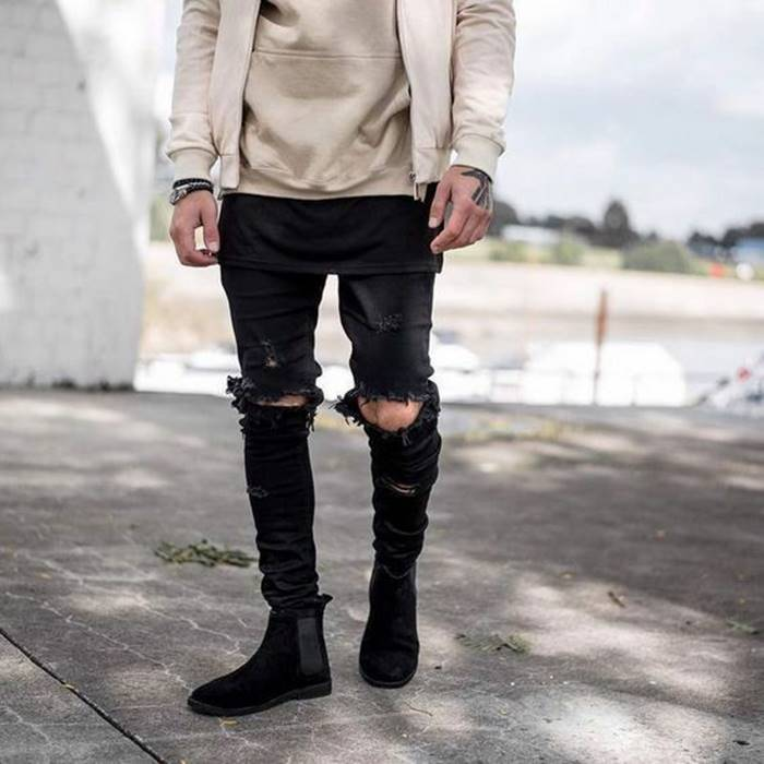 Calça rasgada no joelho para se inspirar e usar muito