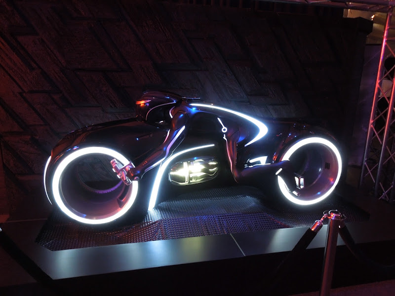 Tron Legacy ElecTRONica lightcyle