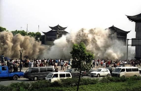 Viva Santa Ana!: 2004 Indian Ocean Tsunami vs 2011 Japan ...