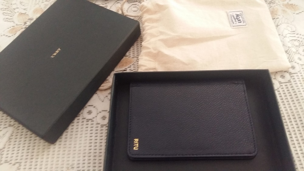 URBY Passport Holder Review: Ultimate guide for buying the best passport holder 1