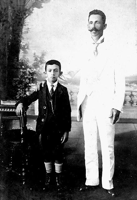 Olympio Brasiliense, criança, com o pai.
