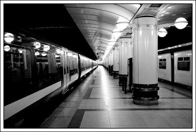 Derek Anson, monochrome, Liverpool Street Stn, train, platform,