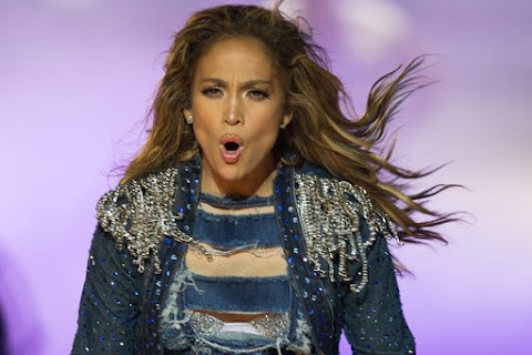 jennifer lopez, epica performance per capodanno: video
