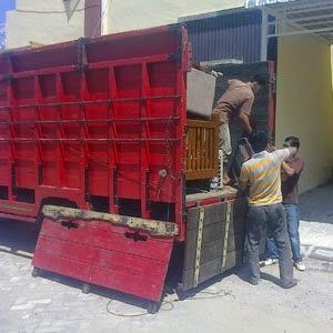 Jasa loading barang.