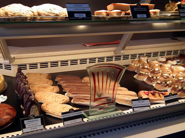 Explore the pastries of the Loire Vlley with Loire Valley Time Travel