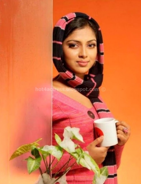 Hot actress amala paul latest photoshoot pictures