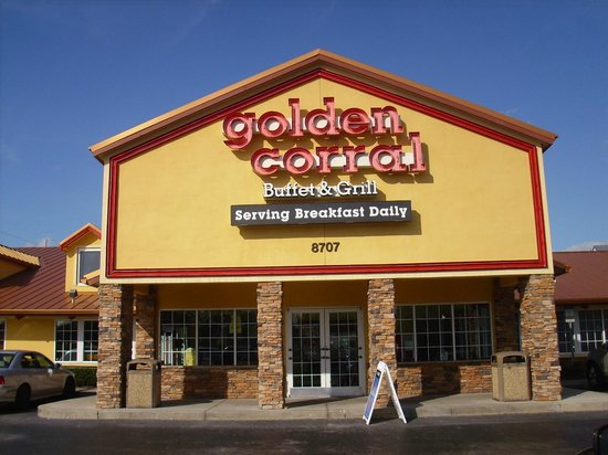 Entrada do Restaurante Golden Corral em Orlando