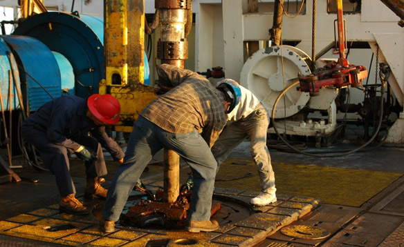 Oil Rig Jobs with No Experience: How to work on offshore oil