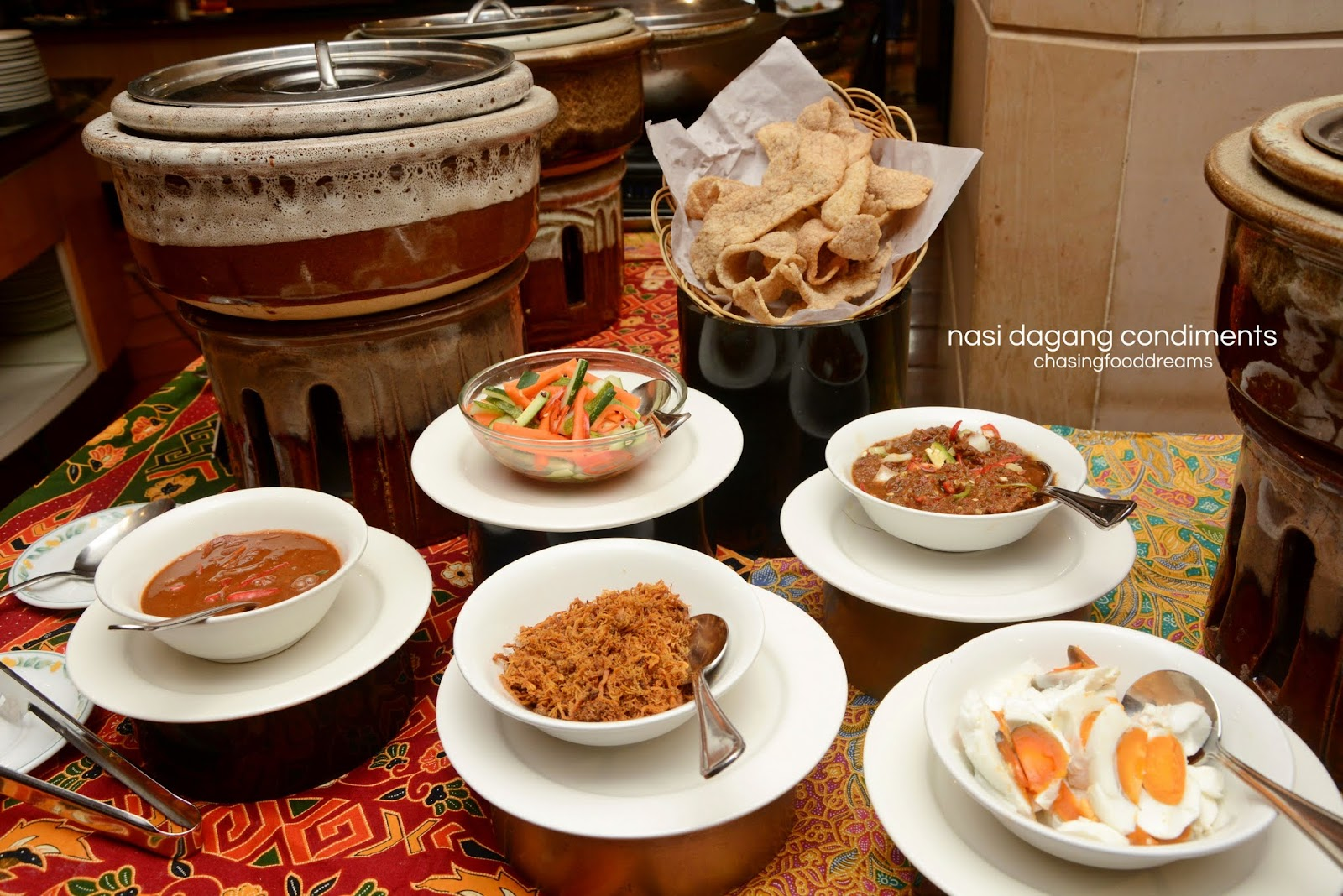 Chasing food dreams weekend hi tea dondang sayang corus hotel we took a sneak peek at their tradisi nusantara weekend hi tea and was really pleased at the delicious offerings inspired by the neighbouring countries of forumfinder Image collections