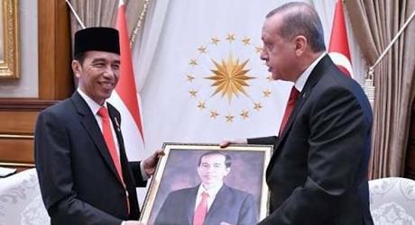 Jokowi: Jika Ada Ormas dan Individu yang Mengganti Pancasila dengan Ideologi Lain, Apakah Akan Dibiarkan?