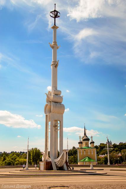 Памятник 300 лет Российскому флоту
