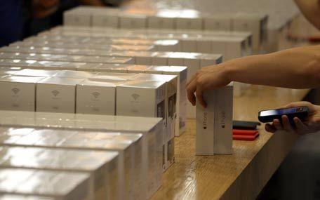 Mobile Phone News In Dubai: iPhone 6, 6 Plus prices crash ahead of