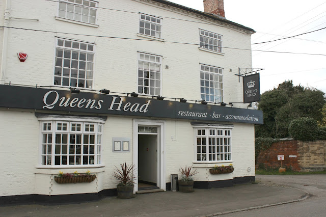 The Queen's Head Belton Review
