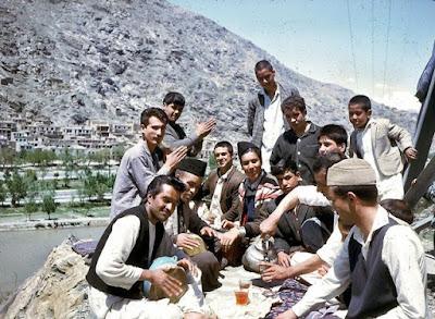 Pemuda Afghanistan piknik