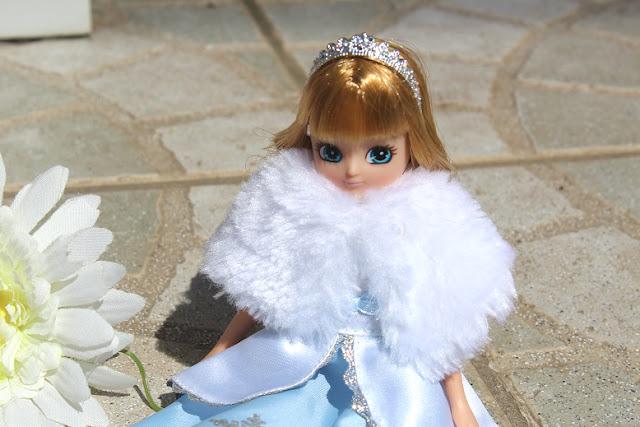 magnifique poupée