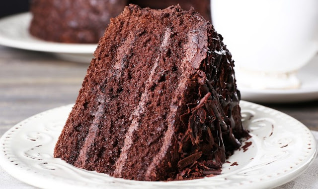 The Most Amazing Chocolate Cake #cake #chocolatedessert