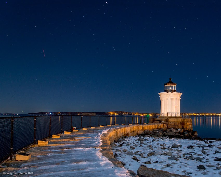 Portland, Maine USA January 2018 photo by Corey Templeton. A nighttime excursion out to Bug Light, aka Portland Breakwater Light.