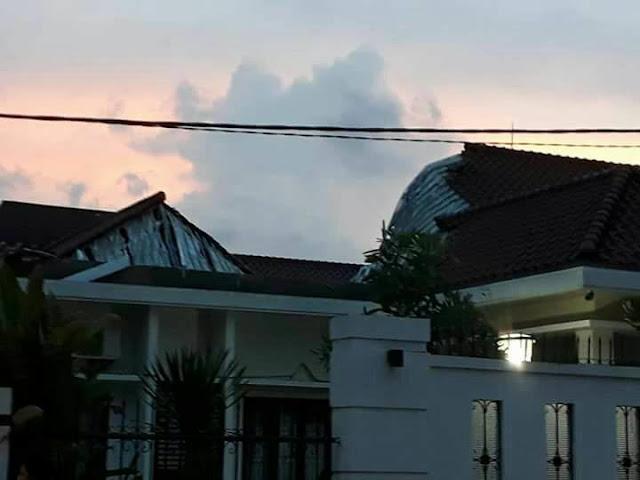 Sekda : Masyarakat Jangan Berspekulasi Terkait Robohnya Atap Rumah Dinas Bupati OKI