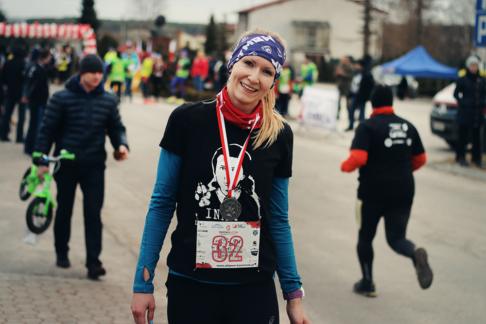 running girl meta with medal