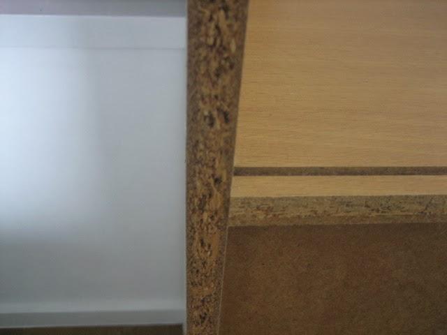 カラーボックスの板の木口(断面)
