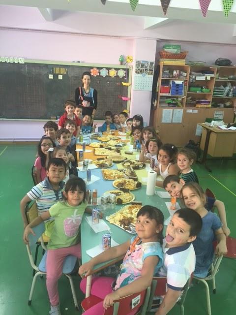 Educaci n infantil 1 primaria d as de descanso juego for Piscina escuelas pias