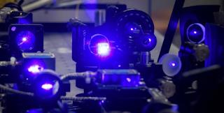 Επιστήμονες ισχυρίζονται ότι ανέστρεψαν τη ροή του χρόνου σε κβαντικό υπολογιστή