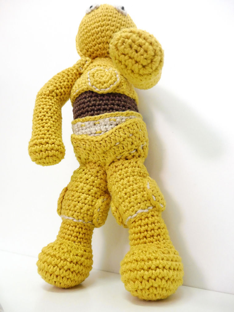 Patrón amigurumi C-3PO