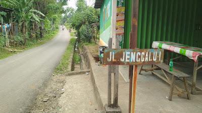 jalan jenggalu gang menuju mangrove bhadrika