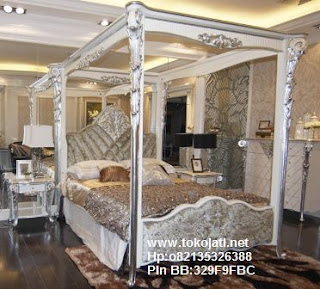 Jual Mebel Jepara,Dipan klasik,dipan ukiran,dipan duco putih,furniture kamar set klasik duco,Toko Mebel Jati klasik,Furniture Mebel Jepara code mebel ukir jepara A150